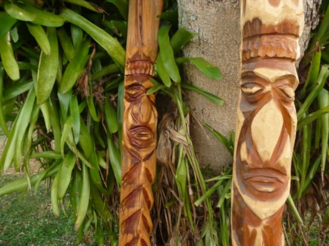 05 Sep 2010<br>Totems Kanaka. <br> New Caledonia by Google Translate