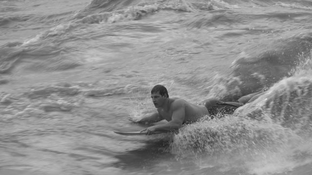 27 Jan 2009<br>Fernando in his enthusiasm for surfing the big wave of the River in flood. I'm not even come up, I was drowned long before! <br> Governador Valadares, Minas Gerais, Brazil by Google Translate