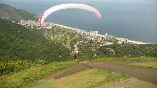 22 Feb 2009<br>We are the legendary Sao Conrado Rio de Janeiro, home of free flight in Brazil. The conditions are very quiet, but the view of Rio Carnival in full flight makes the somewhat special. <br> Sao Conrado, Rio de Janeiro, Brazil