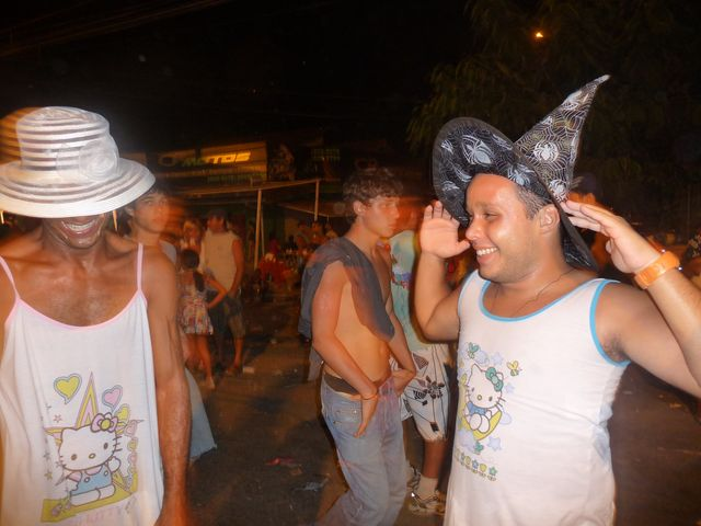 23 Feb 2009<br>Carnival in Rio. Paulo and Raf women reveal their shares. Lovely! <br> Niteroi, Rio de Janeiro, Brazil