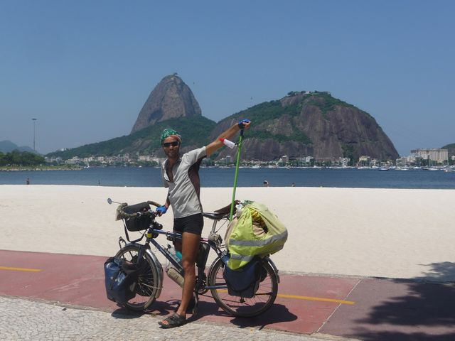24 Feb 2009<br>Some places are worth visiting in anthologies around the world by bicycle. The morro Rio de Janeiro is one of them. <br> Rio de Janeiro, Brazil