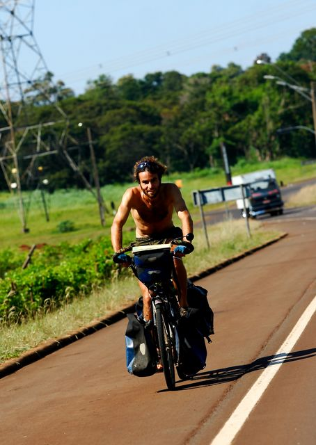 23 Mar 2009<br>Two journalists Itaipu chase me away. A picture outside, rare in solitary journey. <br> Foz de Iguacu, Parana, Brazil.