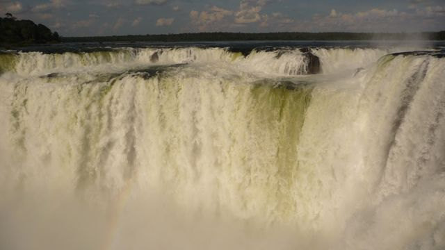 25 Mar 2009<br>The Gargente del Diablo (Devil's Throat) is the star attraction of the Iguaçu Falls on the Argentine side. <br> Iguazu Falls, Parana, Brazil