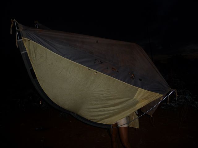 Night of the ants. <br> That night the ants have eaten our two tents. Horrible! <br> That night, ants HAD Both our tents Destroyed. Terrible! <br> Paraguay