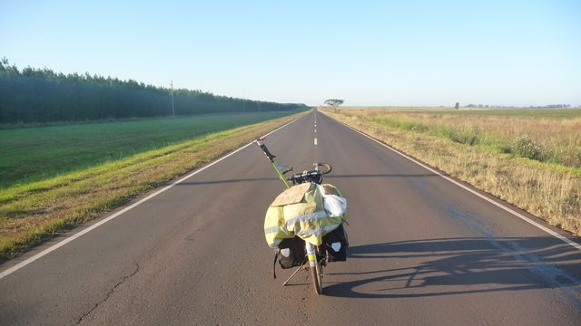 07 Apr 2009<br>The endless road, right, so long, so alone. To me the landscape and space! <br><br> Corrientes, Argentina