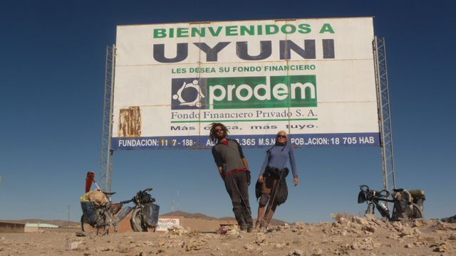 31 Aug 2009<br>We finally arrive in Uyuni. Few words can describe our relief after the suffering we experienced during those three weeks Désert.Enfin crossings, shopping, fresh food, served well, people, electricity, water galore and our first shower since we entered the desert! Uyuni, South Lipez, Bolivia by Google Translate