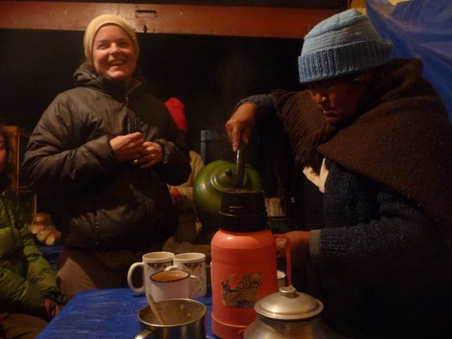 01 Sep 2009<br>In the evening on file with friends touring the street stalls serving tea, local drinks and small hambuguers for pennies. South Lipez, Bolivia by Google Translate