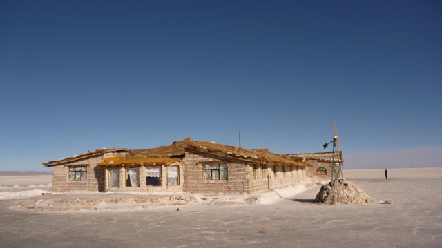 08 Sep 2009<br>This hotel is located on the Salar de Uyuni and is made entirely of salt. Even the beds, benches, tables and sculptures are made of salt! Salar de Uyuni, Bolivia by Google Translate