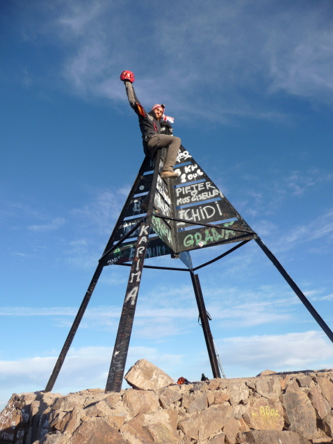 16 Sep 2008<br>At the top of Toubkal! There's no higher throughout North Africa ... 4167m, personal best. Beware of sight, mind-blowing ca! <br> At the very very top of Mount Toubkal, the Highest peak in North Africa all ... 4167m, personnal record. Watch out the landscape, quite impressive!