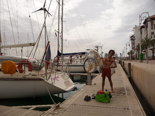 Agadir, sailing and cycling The Olympus BaroudeurAllégorie travel by bicycle and boat stop.