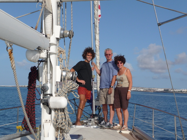 Sailboat Olympus, arrived in Playa Blanca, Lanzarote, Canary Islands, day 3.La Olympus team in top form: Maryse (a little white), Jean Pierre (undisturbed), and my mouth, just crazy to get there. The Canary Islands! And sailing please!