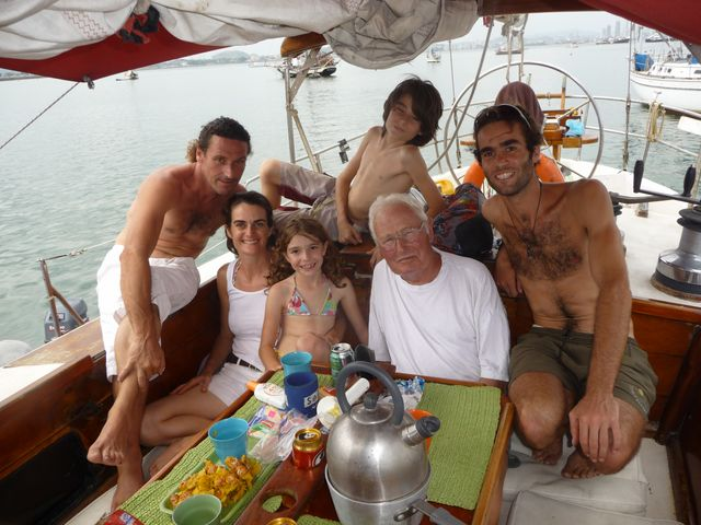 15 Feb 2010<br>Régis de Villefort I meet by chance in Panama. He is the brother of a friend of Figeac paraglider and lent me his boat's Aida to house during my search for transpacific sailing. Here with the family on Aida. Amador, Panama City, Panama