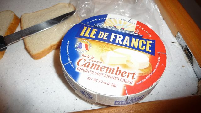 05 Mar 2010<br>Reunion of old French camembert on luxury yacht Idle, I am working on some heures.Voilier Idle, Shelter Bay Marina, Colon, Panama