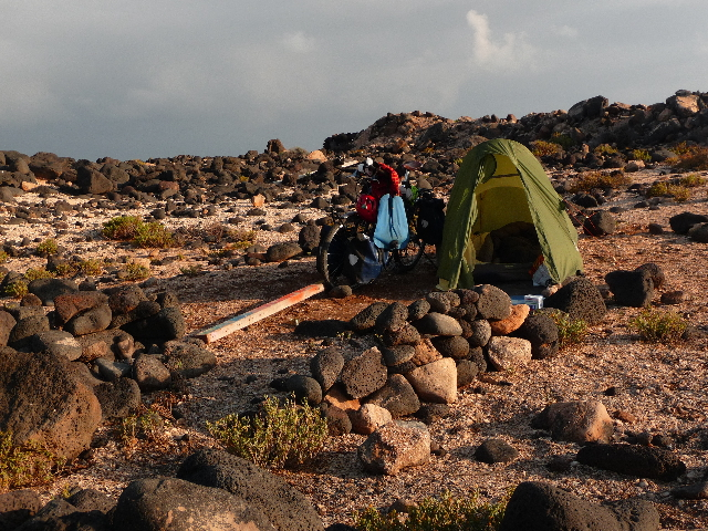 La Santa, Lanzarote west coast Islands Canaries.2e camp on the island. Winds, super light, rain at times. In the wilderness we are happy or you do not. That's it.