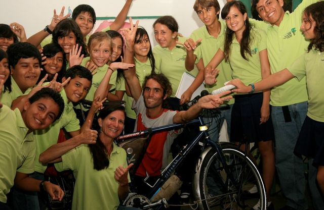 12 Apr 2010<br>Lecture at the School of Tomas de Berlanga on the theme of &quot;her dreams, it is always possible.&quot; Isla Santa Cruz, Galapagos