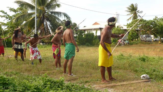 10 Jul 2010<br>Aitos (warriors) paumutus (inhabitants of the Tuamotus) of Makemo when Heiva traditionnels.Makemo games, Tuamotu Archipelago.