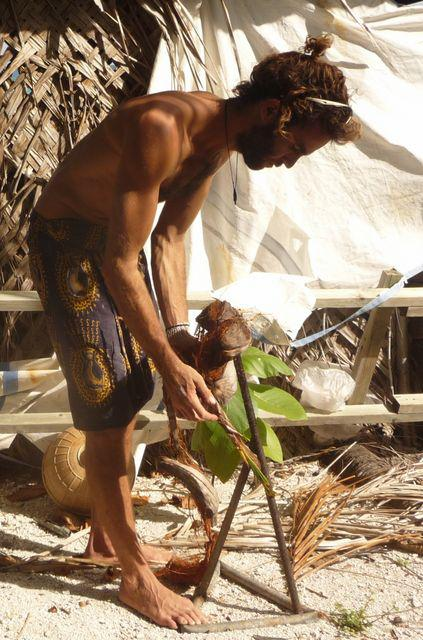 19 Jul 2010<br>Breaking a nut coco.Makemo, Tuamotu Archipelago.