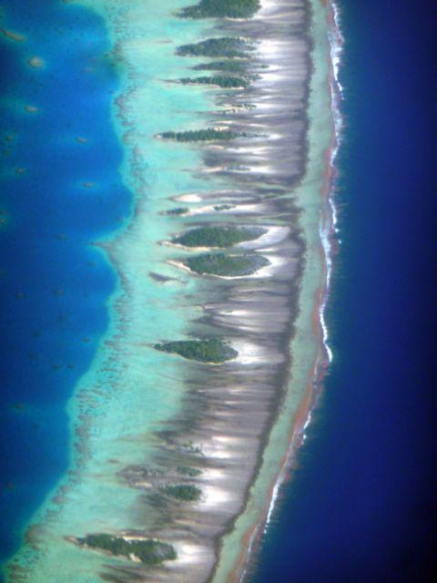 29 Jul 2010<br>Atoll Makemo to aircraft. <br> Air Tahiti flight from Makemo in Tahiti, French Polynesia, South Pacific